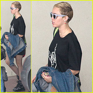 Miley Cyrus & Brother Braison Get Tatted Up In Melbourne