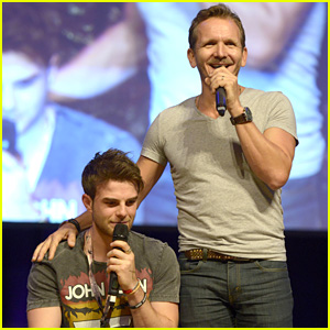 The Originals' Nathaniel Buzolic Reunites with Sebastian Roch� at RingCon in Germany