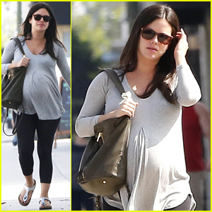 Rachel Bilson Gets In a Check Up with Her Doctor Before Her Baby's Birth!