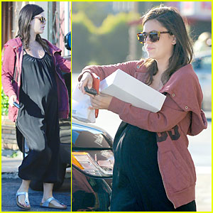Pregnant Rachel Bilson Grabs Sweet Goodies From Belword Bakery