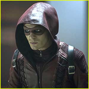Red Arsenal Is Ready For The Fight In 'Arrow's Season Premiere - See The Pics!