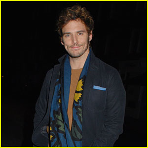 Sam Claflin Doesn't Seem to Enjoy the Fact That Winter is Coming!