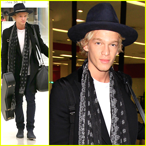 Cody Simpson Wants To Bring Old Fashioned Romance Back