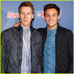 Tom Daley & Dustin Lance Black Watch the NFL Game in London!