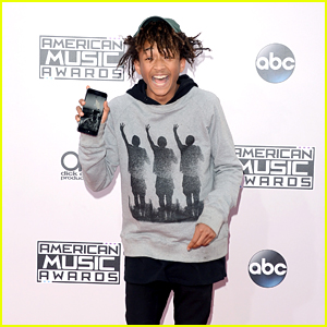 Jaden Smith Can't Hold Back His Excitment at American Music Awards 2014!