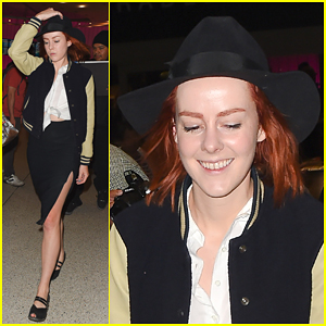 Jena Malone Reflects On Fans & Says Her Life is Not Empty or Without Beauty or Guidance
