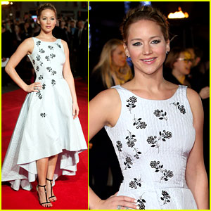 Jennifer Lawrence Premieres 'Mockingjay' in London - See the Red Carpet Pics!