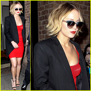 Jennifer Lawrence Paints the Town Red During 'Mockingjay' Promo!