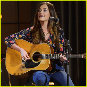 Kacey Musgraves Loves that Country Music is 'Completely Blunt & Honest'