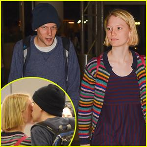 Mia Wasikowska & Boyfriend Jesse Eisenberg Kiss at the Airport