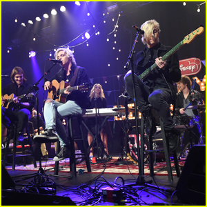 R5 Definitely Made Us Smile at Radio Disney's Family VIP Birthday - See All The Pics Here!