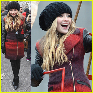 Sabrina Carpenter Sings 'Middle of Starting Over' at Macy's Thanksgiving Day Parade 2014 - Watch Here!