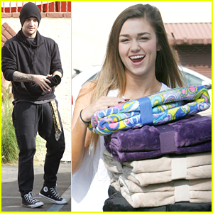 Sadie Robertson Brings Blankets For Holiday Blanket Drive Ahead of DWTS Practice