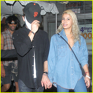 Zac Efron & Sami Miro Hold Hands on Halloween