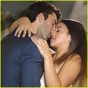 It's Baby Check Up Time For Jane & Rafael on 'Jane The Virgin'