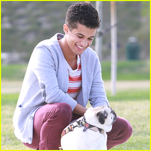 Jordan Fisher Sings 'O Holy Night' With Luke Benward