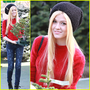 Katherine McNamara Picks Out The Perfect Christmas Tree - A Mini One!
