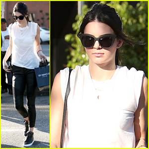 Kendall Jenner Gets In Some Last Minute Holiday Shopping
