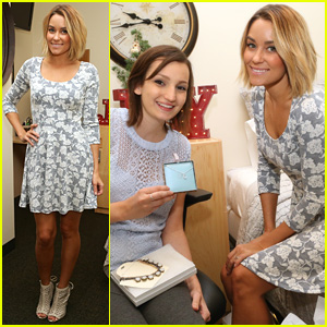Lauren Conrad Lends Her Time to Decorate Childrens Hospital Rooms for Christmas!