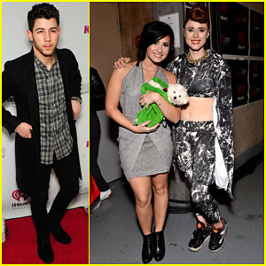 Nick Jonas & Demi Lovato Get All Dressed Up for Chicago's Jingle Ball!
