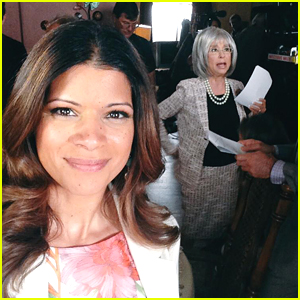 Andrea Navedo Shares First Pic of Rita Moreno on 'Jane The Virgin' Set