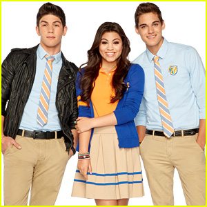 are daniel and emma from every witch way dating in real life