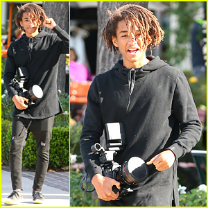 Jaden Smith Looks Like a Regular Photographer With His Large Camera!