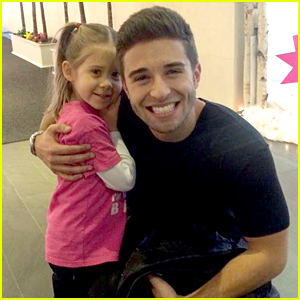 Jake Miller Meets His Cutest Fan Yet Before Performing On TeenNick's NYE Celeration