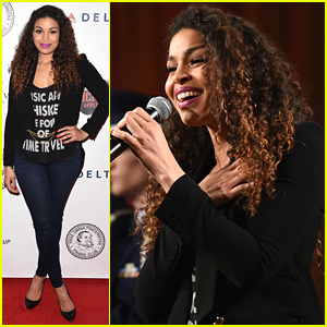 Jordin Sparks Performs For Terry Bradshaw's Pre-Super Bowl Roast - See The Pics!
