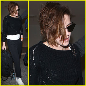 Kristen Stewart Gets Out Of Town Solo!