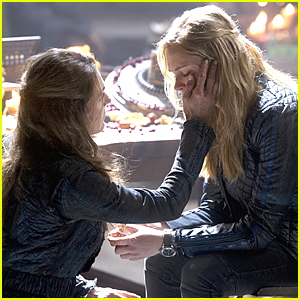 Clarkes Makes Another Deal In 'The 100's Return Tonight