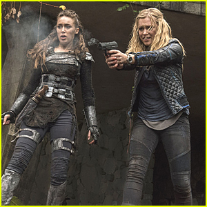 Clarke & Lexa Fight Back In New 'The 100' Tonight - See The Pics!