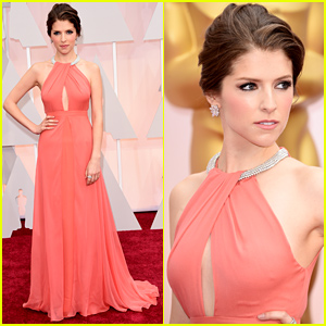 Anna Kendrick Arrives in Style for Oscars 2015 Red Carpet!