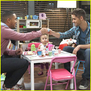 Ben & Tucker Pretend To Be In The Navy In 'Baby Daddy' Tonight