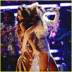 Becky G Performs 'Como Tu No Hay Dos' With Thalia At Premios Lo Nuestros Awards 2015 - See The Pics!