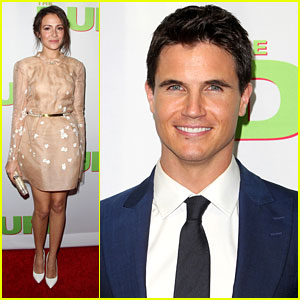 Italia Ricci Supports Fiance Robbie Amell at 'The DUFF' Premiere