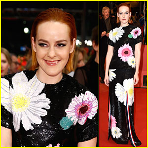 Jena Malone Adds Some Edge to the Berlin Film Festival!