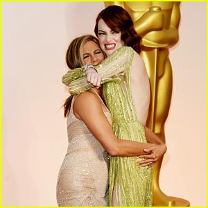 Emma Stone Gets an Oscars Lift from Jennifer Aniston!