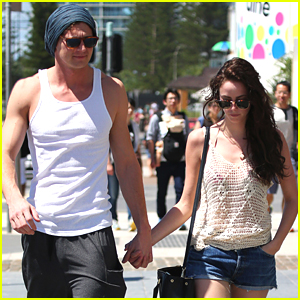 Kaya Scodelario Sight Sees Around Sydney With Fiance Benjamin Walker