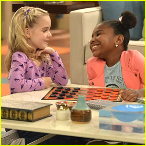 Judy Schools Her New Friend In A Game of Checkers on 'K.C. Undercover'