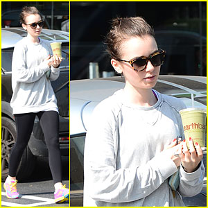 Lily Collins Keeps Healthy with a Green Juice!