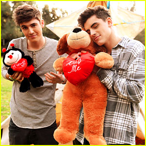 Jack & Jack & Sammy Wilkinson Give Valentine's Day Advice - See The Vid!