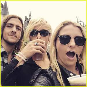 R5 Head To Hogwarts At Wizarding World of Harry Potter For The Weekend
