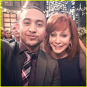 Tahj Mowry Shares Cute Pic With 'Baby Daddy' Guest Star Reba McEntire!