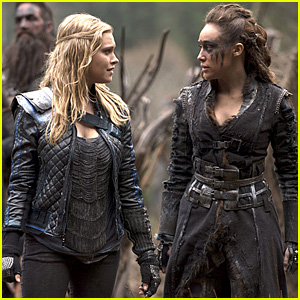 Clarke Prepares for Battle on Tonight's 'The 100'