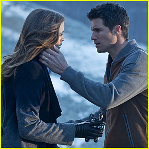 Caitlin Comes Face-to-Face with Ronnie on 'The Flash' Tonight!
