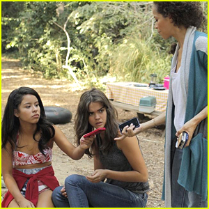 It's A No Phone Zone For 'The Fosters' Tonight - Pics & Clips!