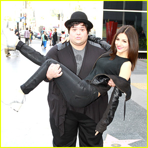 Victoria Justice Gets Silly with the 'Eye Candy' Cast
