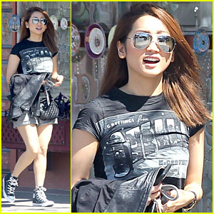Brenda Song Grabs Lunch In Los Angeles With Friends