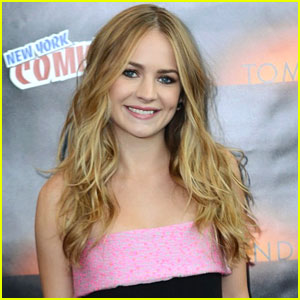 Britt Robertson Named CinemaCon's Star of Tomorrow!